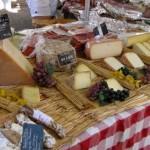 Les fromages au marché. Aups Provence