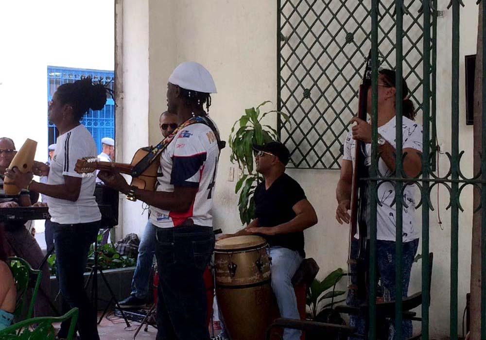 Cuba-1000-web-Joelle-Aubry---IMG_1346-2