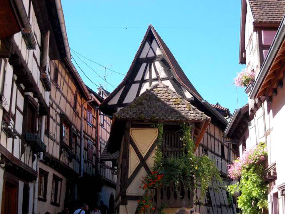 Alsace-1000-web-Eguisheim-le-pigeonnier_2