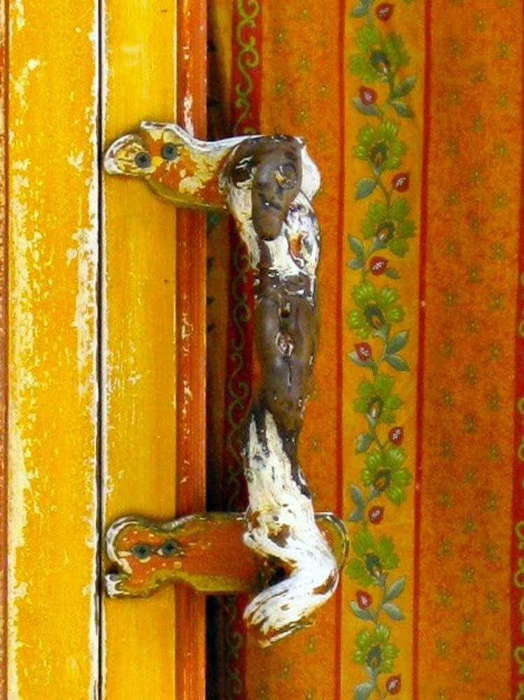 Var-cotignac-1000-web-Door-handle-of-bakery