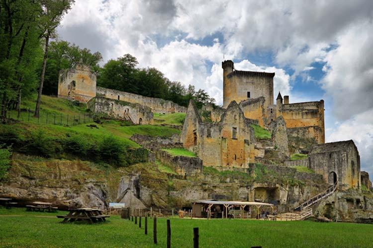 Travel to France. Dordogne. Kindred Voyages.
